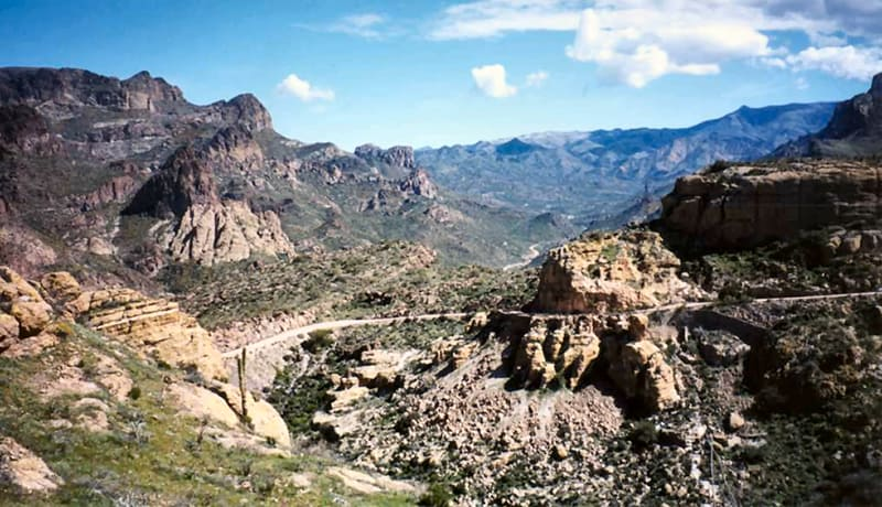 Overview of Apache Trail Road