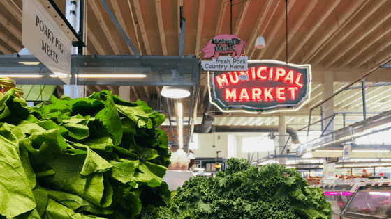 "Visit the Sweet Auburn Curb Market where you'll find a combination of history and amazing food. Originally an open-air market held under a large tent starting in 1917, it was renamed the ""curb"" market in the 1990s to reflect the fact that African Americans were at first only allowed to sell outside along the curb during segregation. Inside you'll find independently-owned businesses including restaurants, butchers, bakeries, and produce stands."