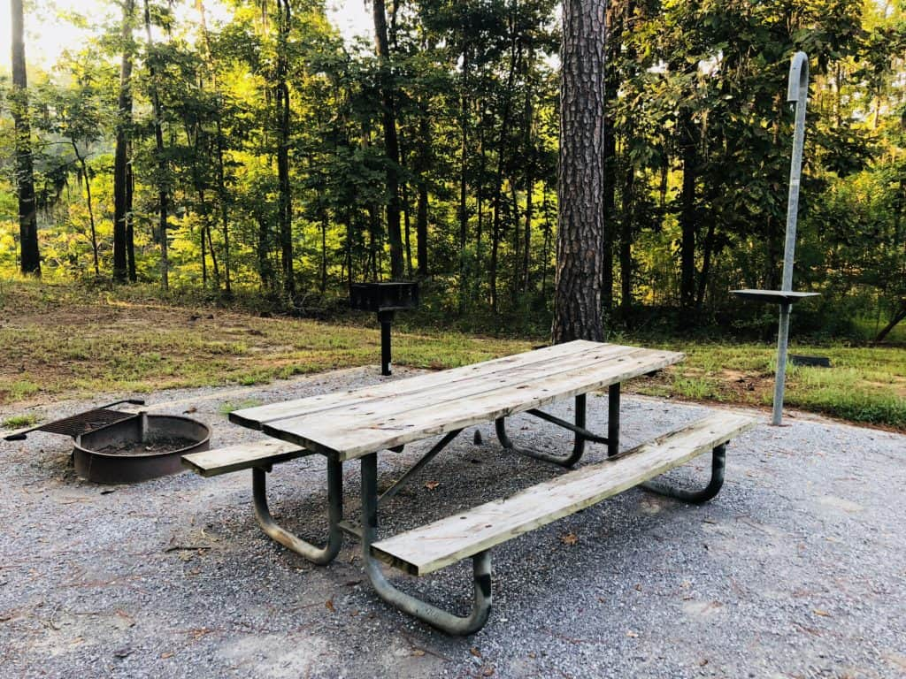Gunter Hill Campground is a peaceful RV park situated along the Alabama River in Montgomery Alabama. With full hook-ups and lake views for around $26 a night, you can't go wrong with a stay here.
