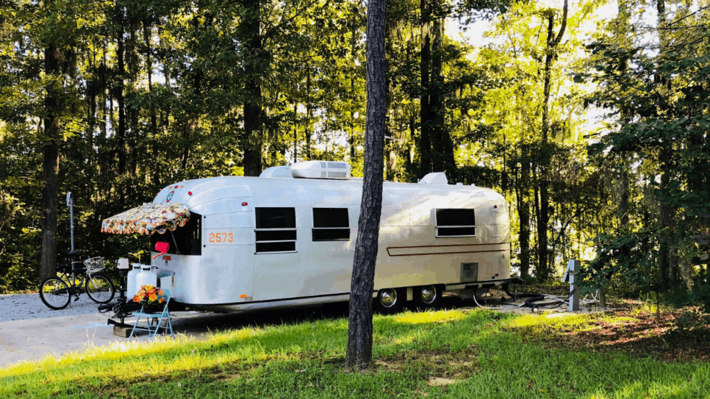Enjoy a shady riverside campsite at Gunter Hill COE in Alabama.
